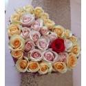 Cutie trandafiri multicolori