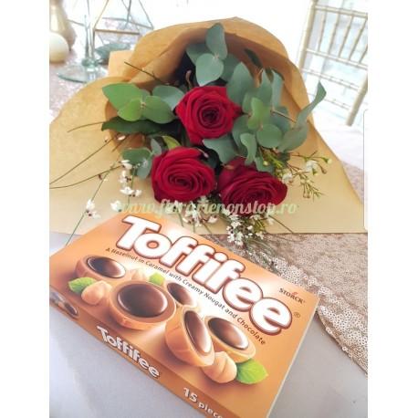 Oferta 3 trandafiri rosii si un Toffifee