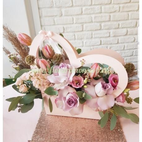 Cutie cu flori pastel