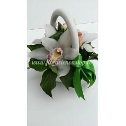 Orhidee alba in cosulet