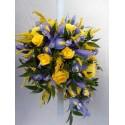 Lumanare botez irisi albastri si trandafiri galbeni