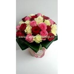 Buchet 23 de trandafiri TRIO LOVE