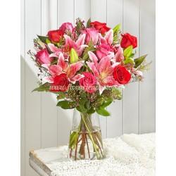 Comanda buchet de crin imperial si trandafiri