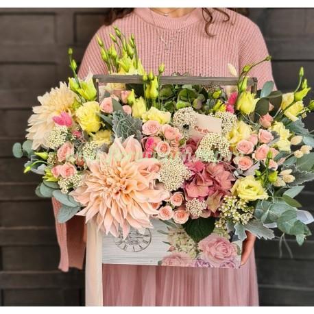 Ladita cu flori pastel