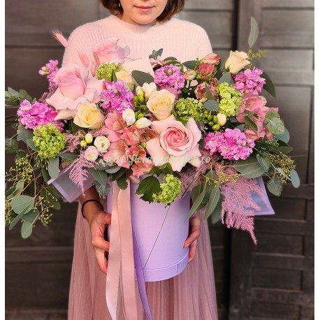 Aranjament cu flori roz