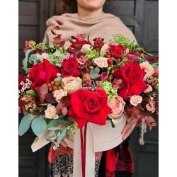 Aranjament floral trandafiri rosii Red Love