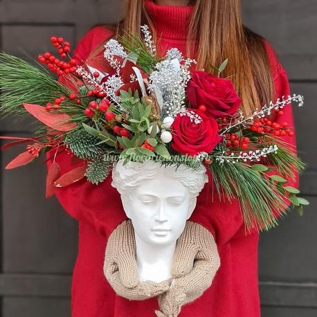 Aranjament floral de iarna Venus Goddess