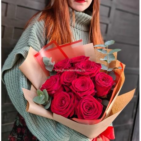 Buchet 9 trandafiri cu livrare la Cluj