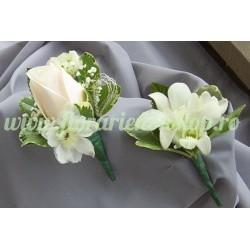 Butoniera piept nunta din fresia alba / mov